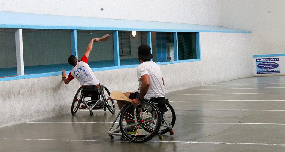 le club de pelote basque de l'aviron bayonnais propose du handi-sport