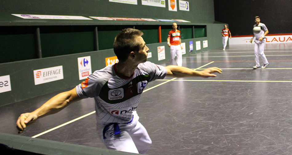 Bixintxo Bilbao joue au trinquet d'Arcangues